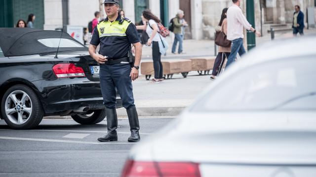 Chuva forte provocou abatimentos em ruas no centro de Lisboa