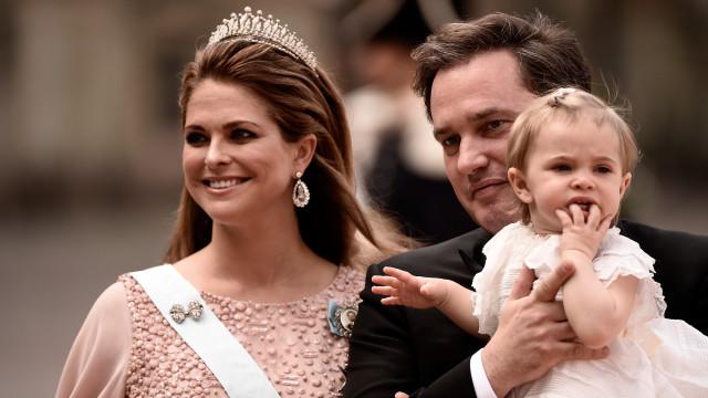 Eis a primeira imagem da filha recém-nascida da princesa Madalena