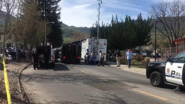 Tiroteio em lar de idosos da Califórnia. Polícia fala em três reféns