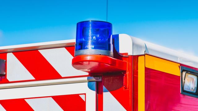 Roubou ambulância em Paredes, foi intercetado no Bairro do Cerco e fugiu