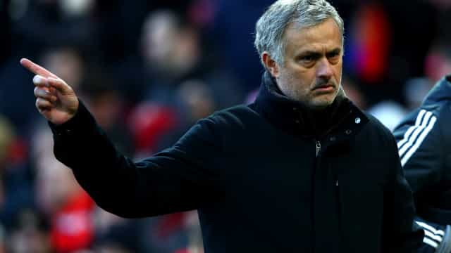 Mourinho revela o quarteto defensivo para o arranque da Premier League
