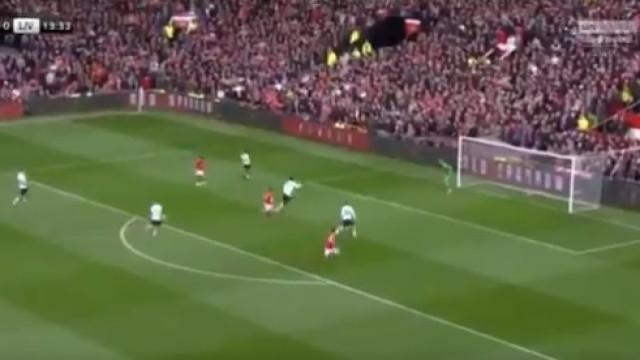 A bomba de Rashford que abriu o marcador frente ao Liverpool