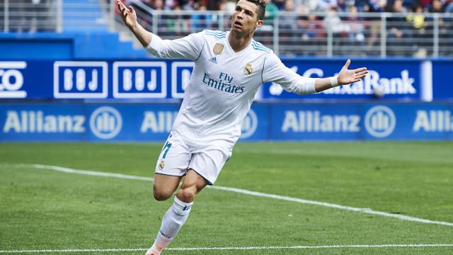 Bis de Ronaldo salva Real de mais uma 'vergonha' interna