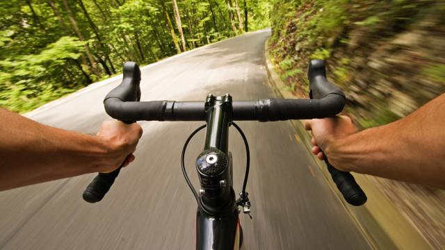 Arrepiante: Veja o que um insecto fez ao olho do ciclista Danilo Celano