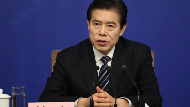 """China não fará guerra comercial com EUA porque seria """"desastroso"""""""
