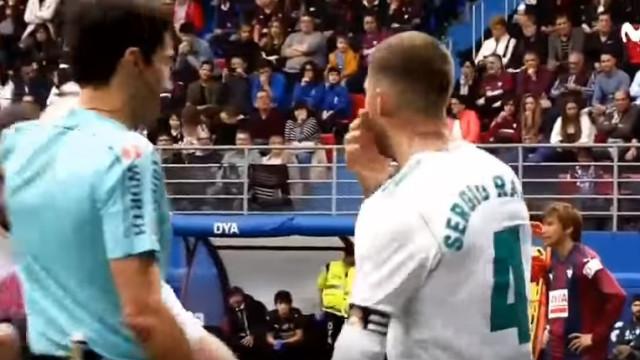 Vídeo: O momento em que Ramos pede 'dispensa' para ir ao WC