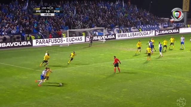 Mário Felgueiras defende grande penalidade de Brahimi