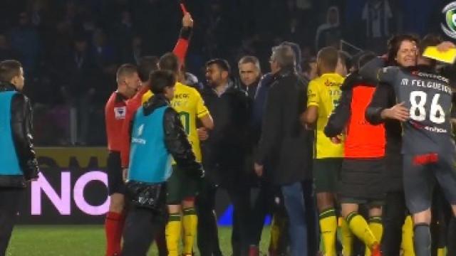 José Sá foi expulso... depois do apito final do P. Ferreira-FC Porto