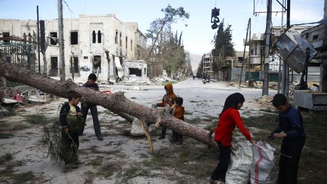 Ofensiva de Assad continua e pelo caminho deixou mais 42 mortos em Ghouta