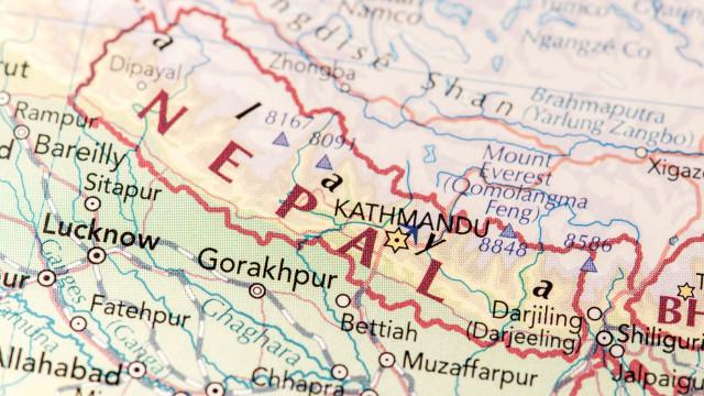 Acidente com camião faz pelo menos 16 mortos no Nepal