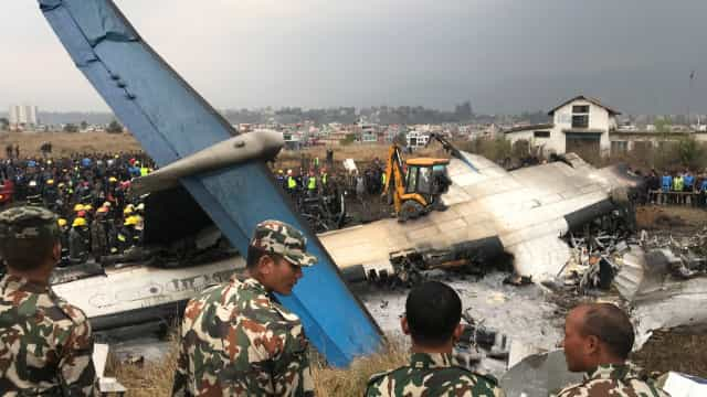 Avião que se despenhou no Nepal causou 50 mortos