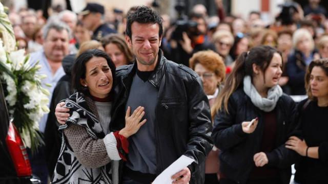 """""""O meu menino ganhou, a bruxa já não existe"""". Gabriel Cruz foi a enterrar"""