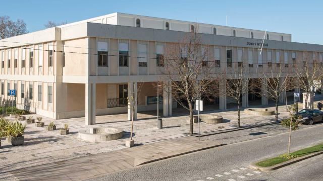 Ameaça de bomba obriga a evacuar tribunal de Penafiel. GNR no local