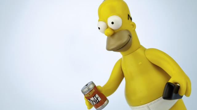 A cerveja da série 'Os Simpsons' já está à venda em Portugal