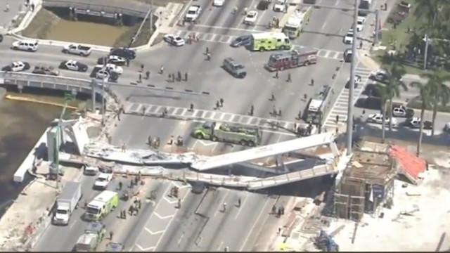 Ponte pedonal em construção colapsou. Há vários mortos e feridos