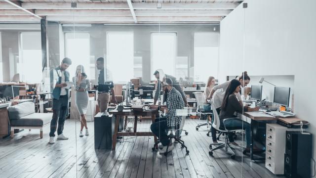 Empresa pede desculpa após funcionário fazer lista das colegas mais sexy