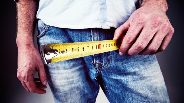 Estudo compilou medidas dos pénis de 15 mil homens e diz o que é 'normal'