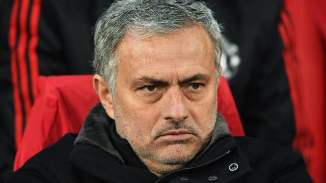 """Mourinho responde às críticas com 'dissertação' sobre """"legado"""""""