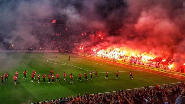 Galatasaray abriu a porta aos adeptos e o resultado foi este