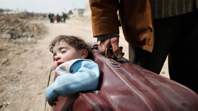 Um rosto de paz numa imagem de guerra. Unicef faz partilha desoladora