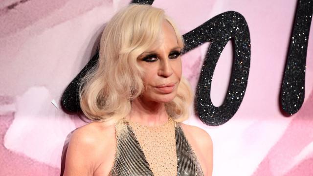 """Donatella Versace: """"Não quero matar animais para fazer moda"""""""