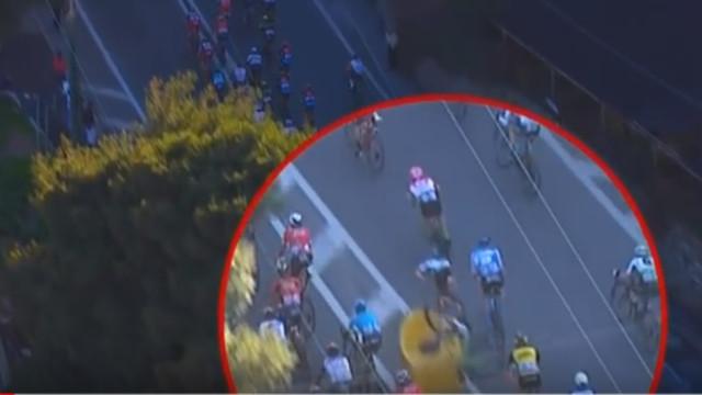 Cavendish saiu disparado da bicicleta e sofreu uma queda assustadora
