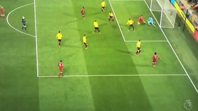 Firmino marca golaço de calcanhar a passe de Salah