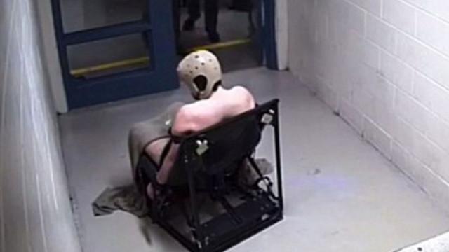 Recluso morre após dois dias amarrado a cadeira completamente nu