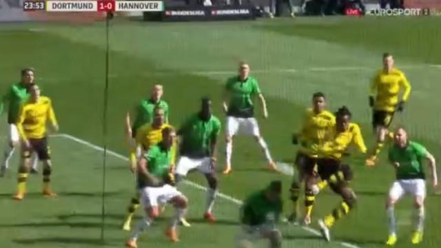 Batshuayi continua em grande em Dortmund. Mais um grande golo do belga