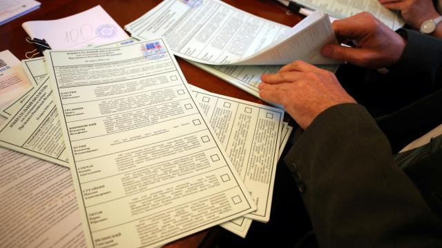 Milhares de irregularidades nas eleições na Rússia denunciadas