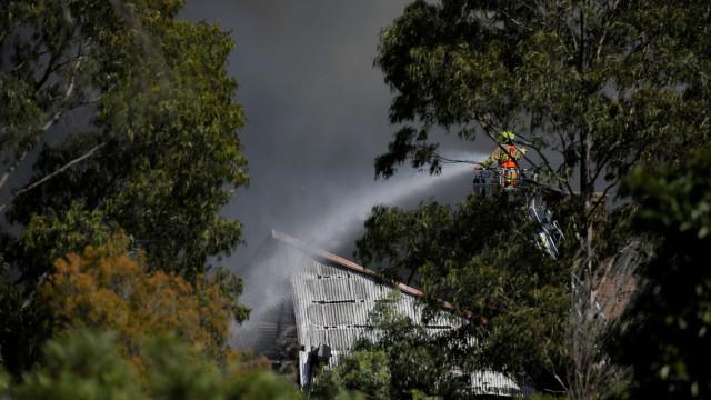 Violentos incêndios destroem 90 casas na Austrália