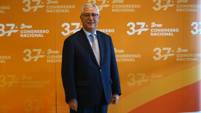 """Negrão garante que """"não há nenhum risco de colapso ou ruptura"""" no PSD"""