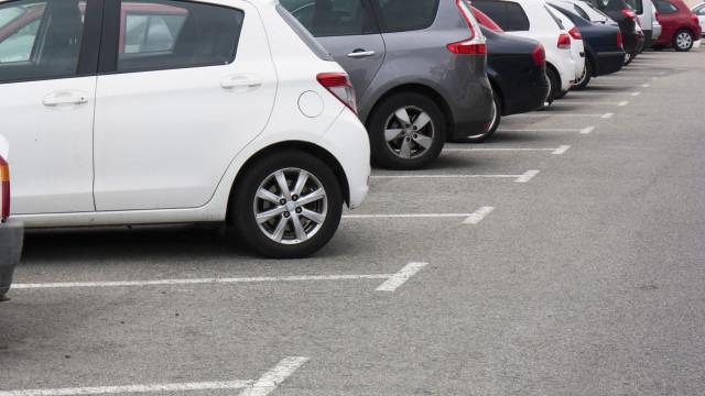 Discussão por causa de lugar em parque de estacionamento acaba em morte