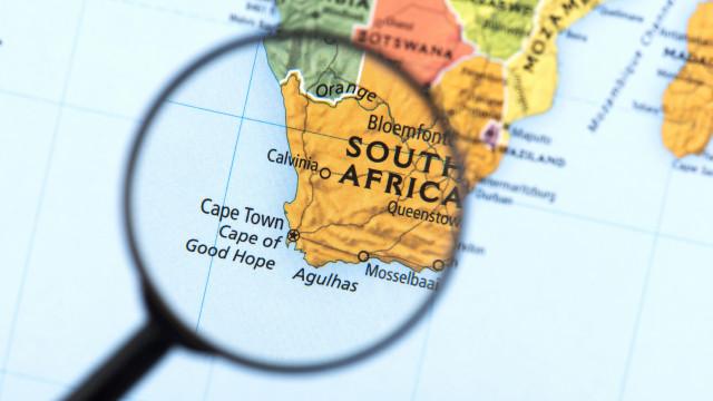 Pelo menos 19 feridos em queda de avião perto da capital da África do Sul