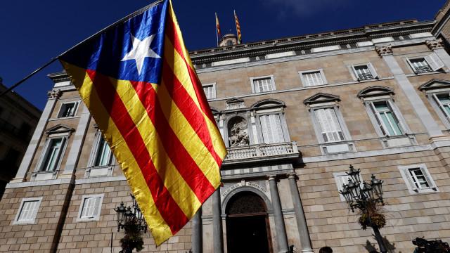 Procuradoria espanhola pede penas até 25 anos para líderes catalães