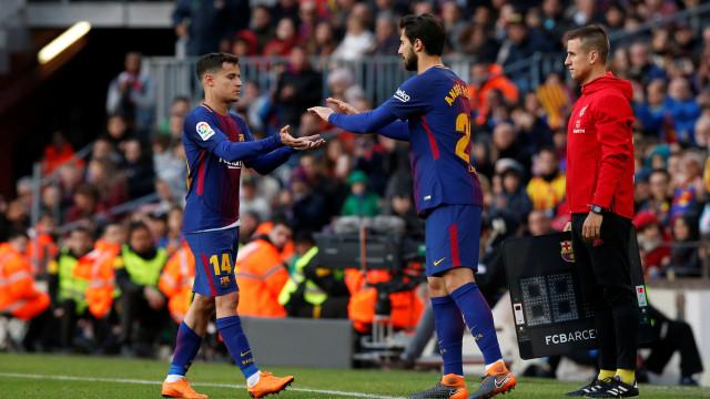 O curioso convite de duas pequenas adeptas do Barcelona para André Gomes