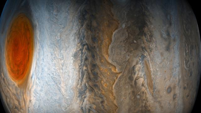 A Grande Mancha Vermelha de Júpiter está cada vez mais pequena