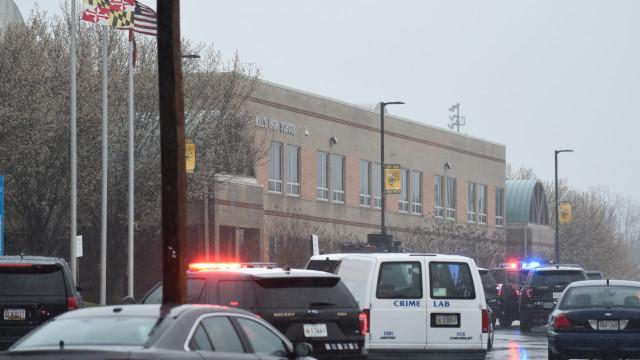 Atirador de escola no Maryland foi morto. Aluna ferida em estado crítico