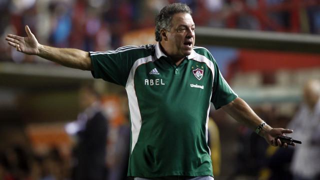 """Técnico do Fluminense responde a Jesus: """"Foi muito infeliz"""""""