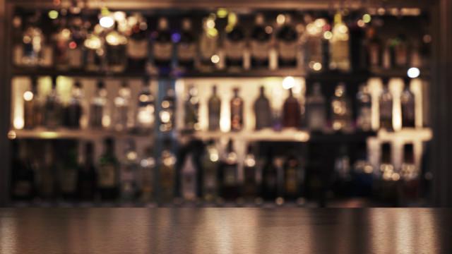 Como perder peso: Beba dois copos desta bebida alcoólica e queime gordura
