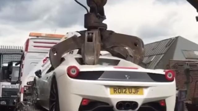 Milionário processa polícia depois de Ferrari apreendido ser destruído