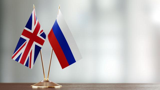 Embaixador russo em Londres escreve a polícia envenenado
