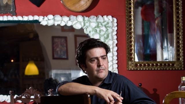 Helder Moutinho apresenta 'Escrito no Destino' no Teatro S. Luiz