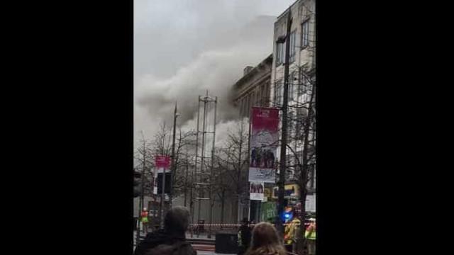 Incêndio no centro de Glasgow. Vários edifícios evacuados