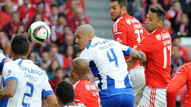 Fernando Santos 'risca' Maicon e Jardel da seleção portuguesa