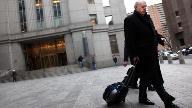 Demitiu-se advogado de Trump no inquérito sobre a interferência da Rússia