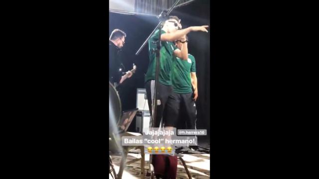 Héctor Herrera mostra dotes de dançarino