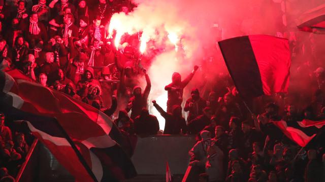 UEFA castiga PSG com multa e encerramento de uma bancada