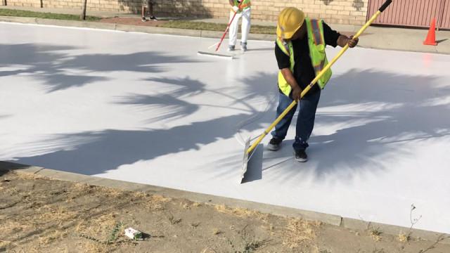 Los Angeles está a pintar as ruas de branco