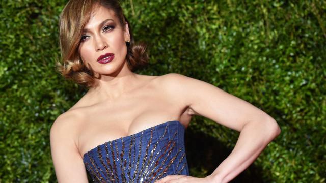 Jennifer Lopez lança linha de maquilhagem 'quente' com Inglot